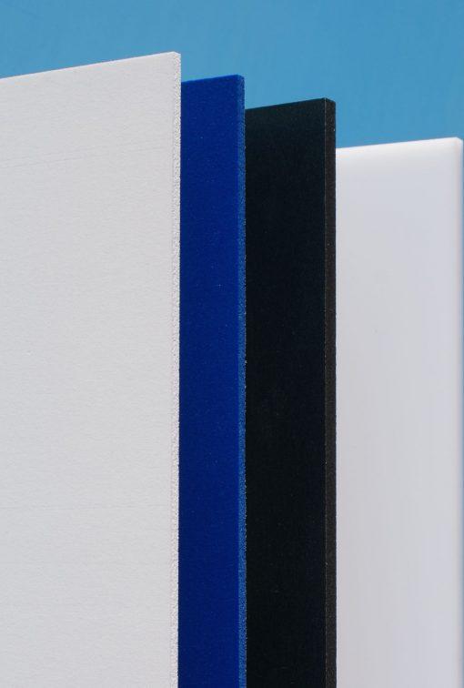 Farvet hård PVC